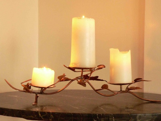 3 candles low 2